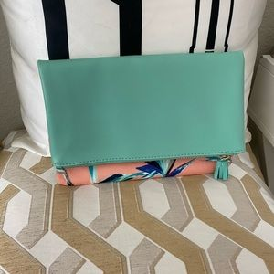 NWOT Teal and flowers fold over reversable clutch